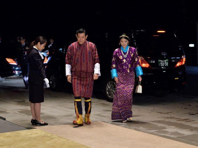 「饗宴の儀」に参列するブータンのワンチュク国王夫妻
