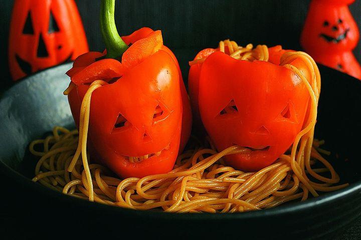 パプリカとスパゲティのジャックオーランタン
