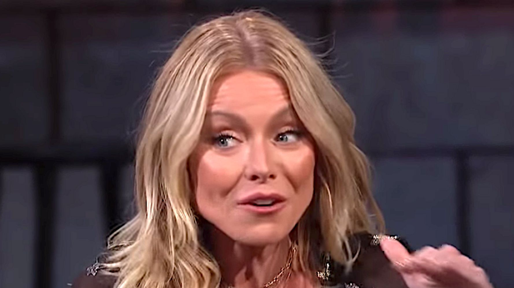 Westlake Legal Group 5db01d81210000ab21ad3a5c Kelly Ripa Wants Her Daughter To Leave The Damn Nest For Real
