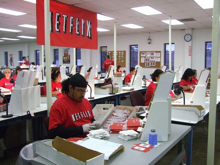 Trabajadores de Netflixen el centro de distribución de Piscataway (New Jersey) en 2009.