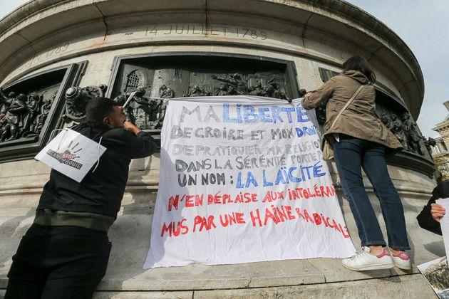 Lors du rassemblement fraternel contre l'islamophobie, Place de la République à Paris,...