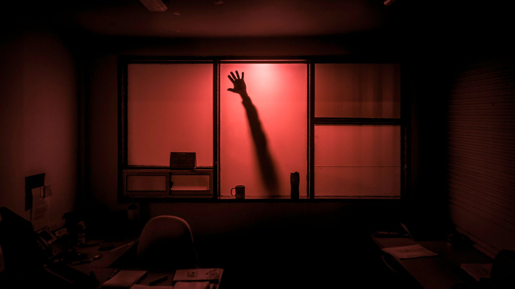 6 Real-Life Office Ghost Stories That Will Totally Give You Chills