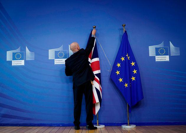 Calendrier Brexit.Brexit Les 27 Tombent D Accord Sur Un Nouveau Report Mais