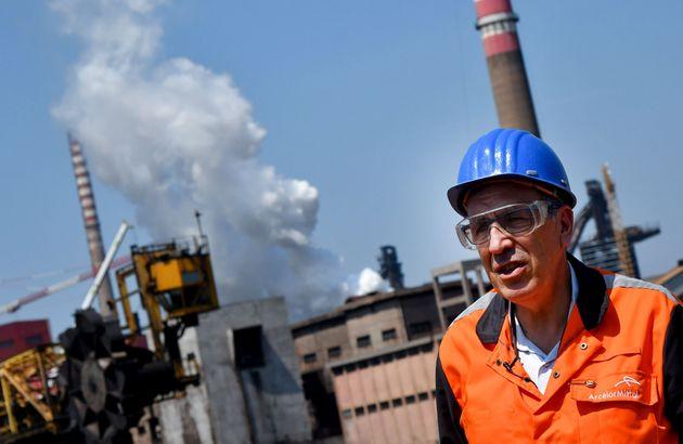 Ex Ilva |  braccio di ferro ArcelorMittal-governo  Con lo spettro di più cig