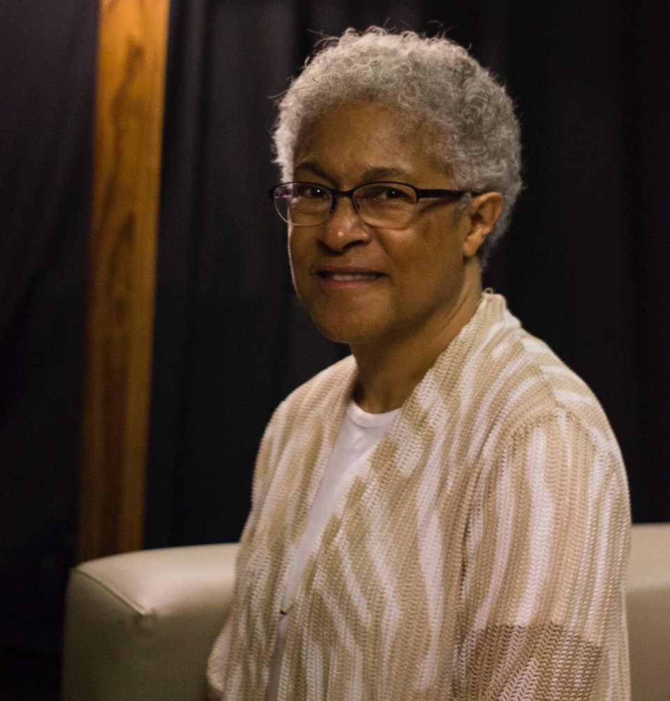 Patricia Hill Collins tem papel significativo por estudar, conceituar e aplicar o conceito deinterseccionalidade...