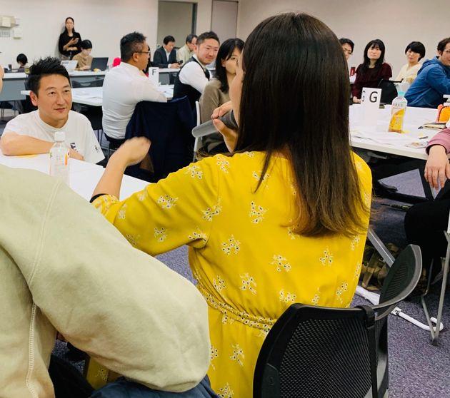 突然参加者に話を振る堀潤さんの司会はもはや名物