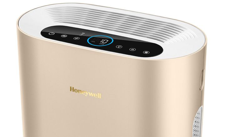 The Honeywell Airtouch i9 air purifier.