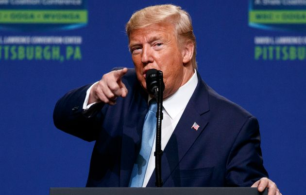Ο Τραμπ τώρα υπόσχεται να οικοδομήσει τείχος στο