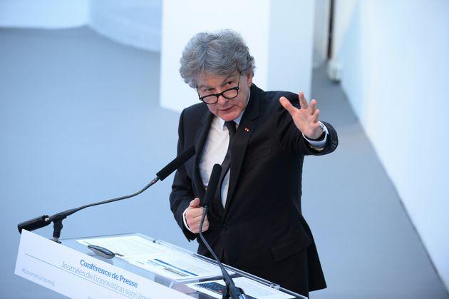 Thierry Breton, lors d'un discours au sein de son entreprise d'intelligence artificielle