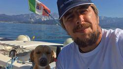 Ha navigato da Venezia a Genova con il suo cane: