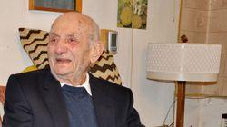 Morto a 104 anni l'uomo più vecchio del mondo. Il suo segreto di longevità era un dolce al