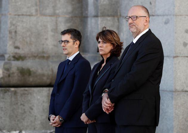 Durante el franquismo las mujeres no accedían a altos cargos, hoy una ministra da fe cómo exhumaban al