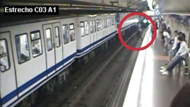 Captura del vídeo difundido por Metro de
