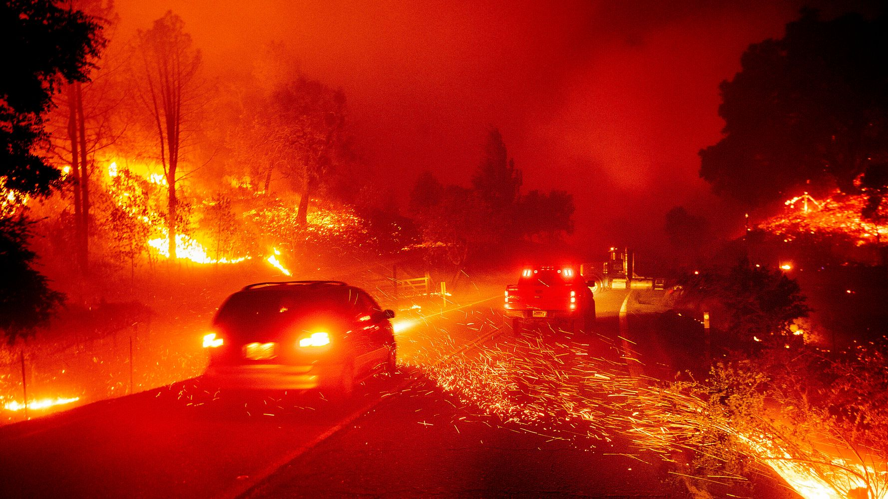 Westlake Legal Group 5db1e54c210000d428ad3d25 Thousands Told To Evacuate As Fire Blazes In Northern California Wine Country