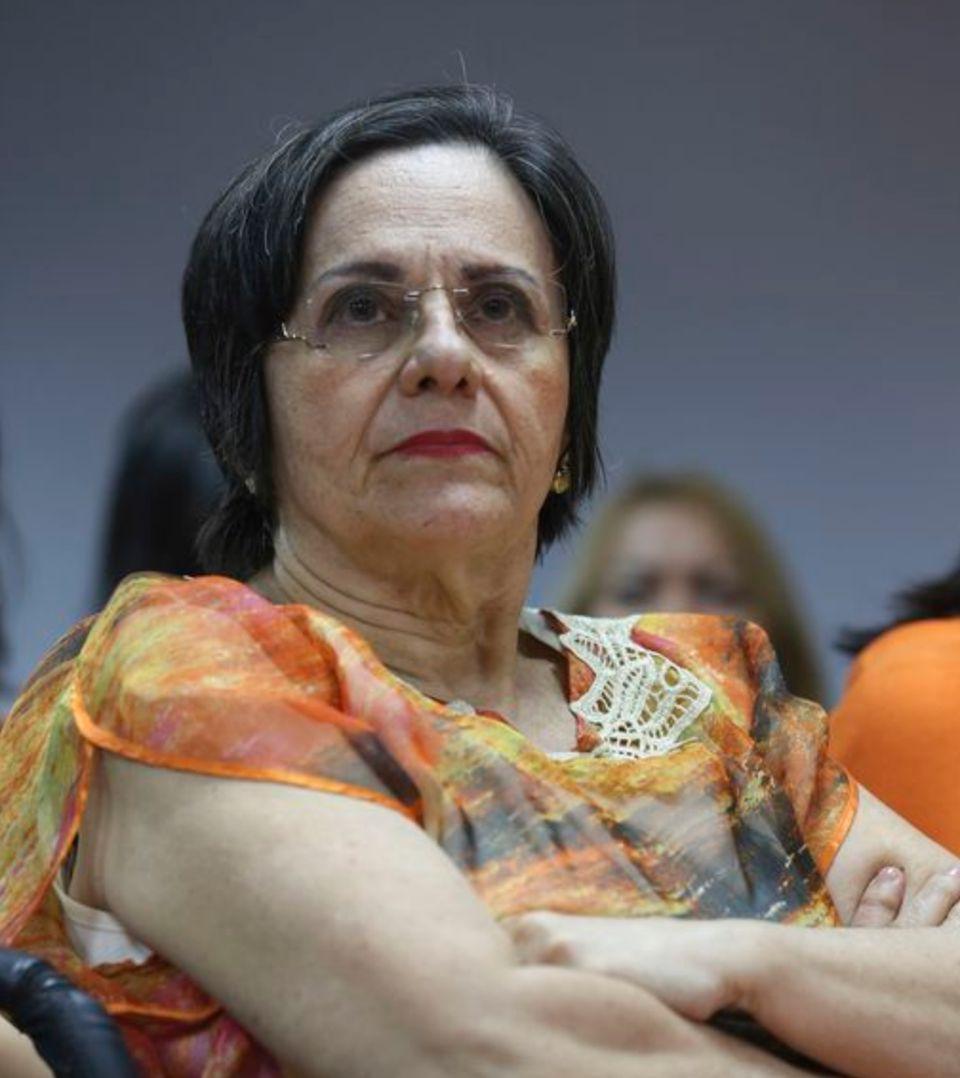 Maria da Penha Maia Fernandes ficou paraplégica após duas tentativas de assassinato cometidas...