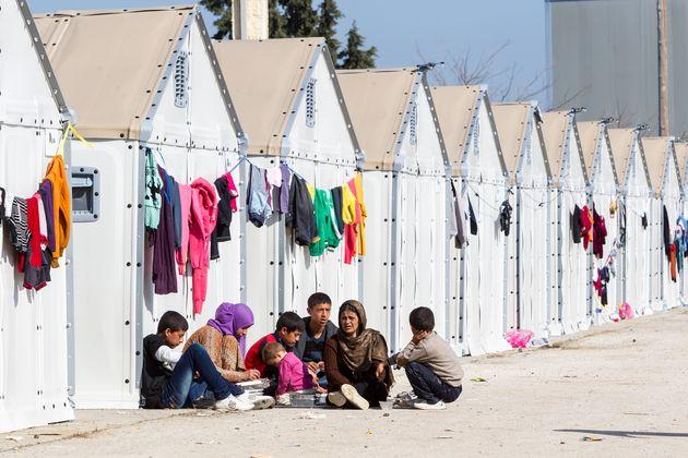 Οι 7 σοβαρές ενστάσεις της Ύπατης Αρμοστείας του ΟΗΕ για τους Πρόσφυγες στο σχέδιο νόμου για το