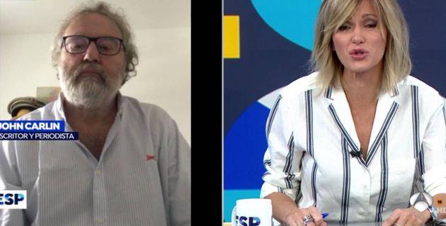 El escritor y periodista inglés John Carlin y la periodista Susanna