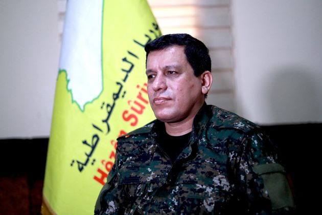Ο Ερντογάν απαιτεί από τις ΗΠΑ να του παραδώσουν τον επικεφαλής των Κούρδων μαχητών στη