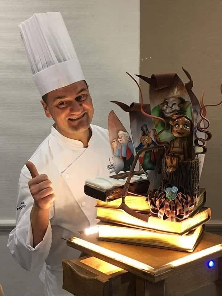 """Claudio De Blasis con """"La storia di Pinocchio"""", dolce che gli è valso il secondo posto aPâtissiers dans le monde, nel 2018"""