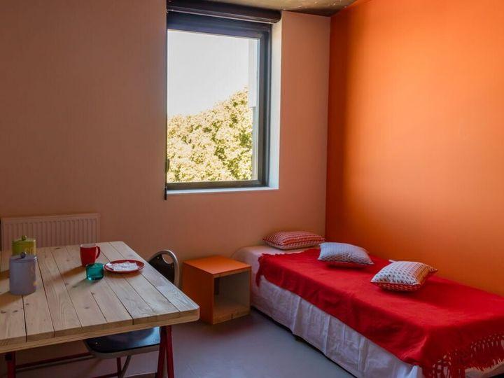 La résidence l'Annexe à Toulouse propose des meubles recyclés