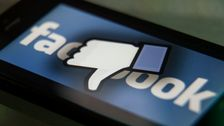 DNC Λέει Facebook είναι η Sheryl Sandberg είναι Ανησυχούν Για το