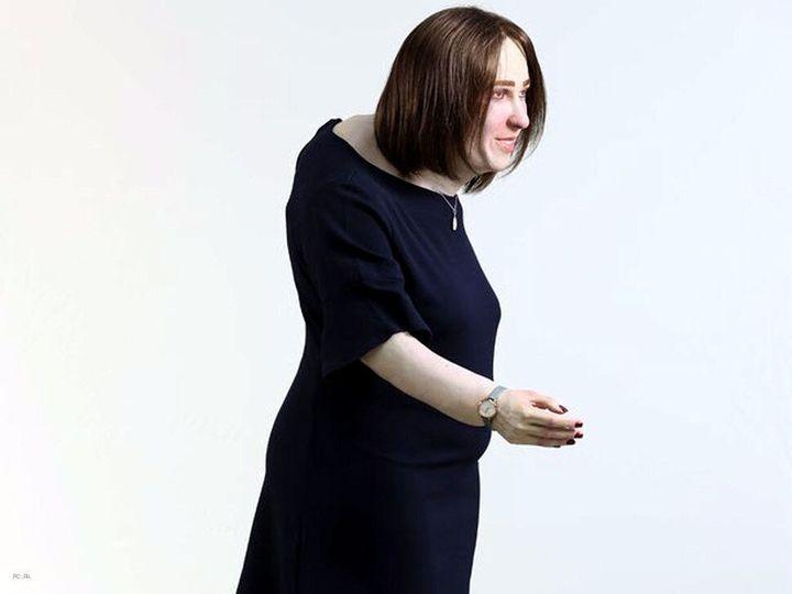미래의 사무직 노동자 체형 예측을 토대로 만든 실물 크기 인형 엠마. 출처 PA(PRESS ASSOCIATION)
