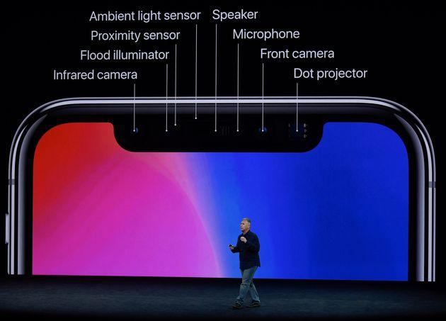 애플은 아이폰X과 함께 '페이스ID'를 처음 공개했다. 2017년