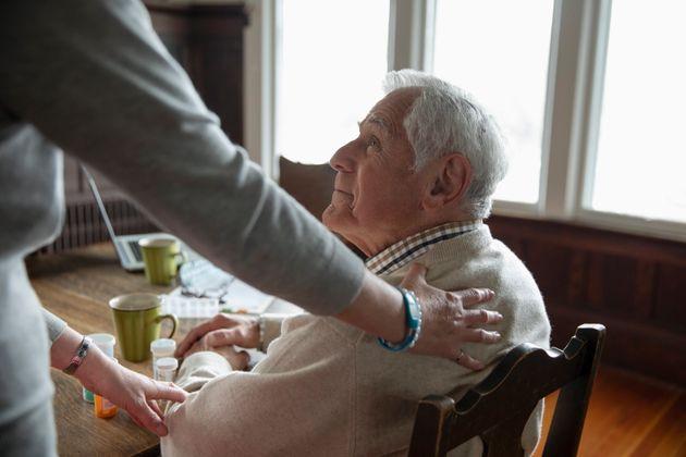 Un congé indemnisé de 3 mois pour les proches aidants a fait l'unanimité (image