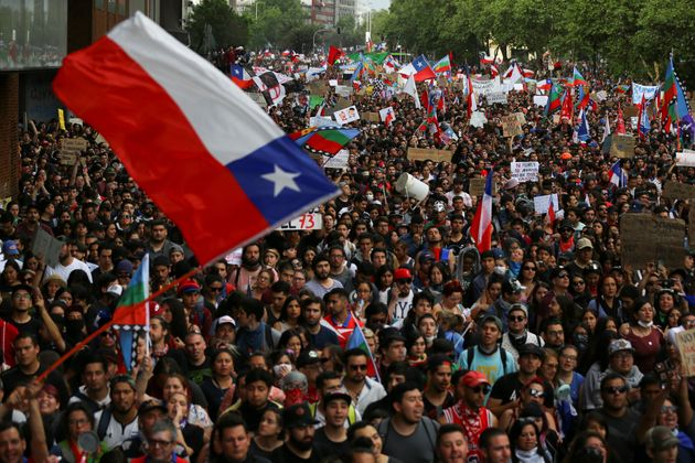 チリで起きた100万人の抗議デモ