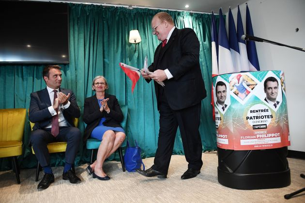 Franck de Lapersonne et Florian Philippot lors d'une réunion publique du parti Les