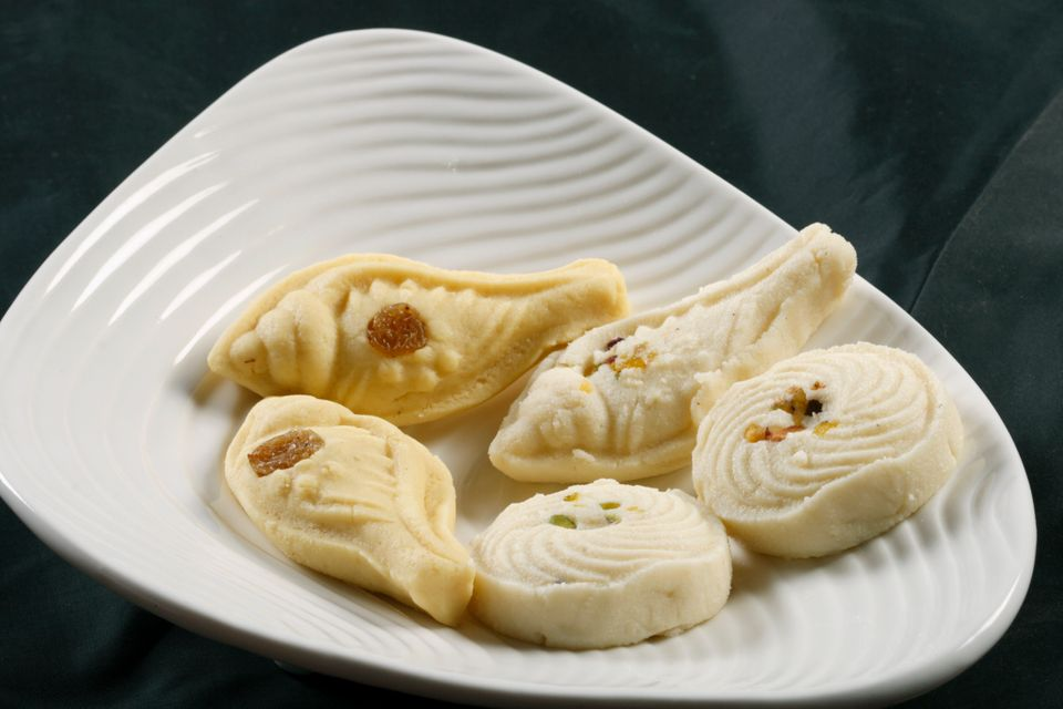 Sandesh is traditional bengali sweet dish prepared with cottage