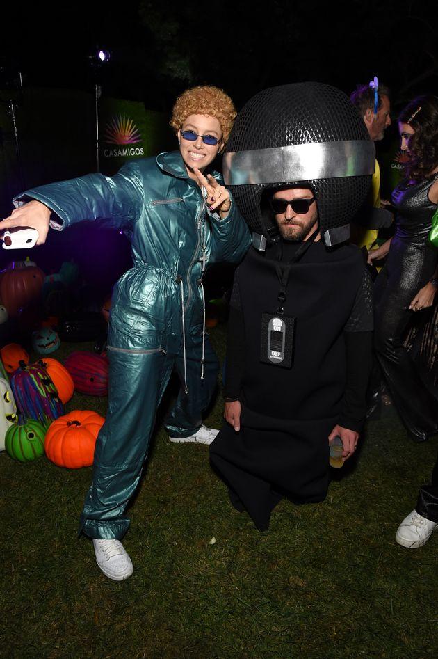 Jessica Biel se paie Justin Timberlake et son look NSYNC à une soirée