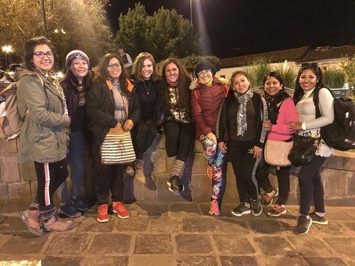 .Grupo de mujeres (entre ellas, la autora del post) viajando solas en Cuzco, Perú. Agosto, 2019
