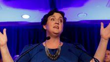 Gerissen Kalifornien Rep. Katie Porter Jetzt 'Stolz' Zu Befürworten Elizabeth Warren