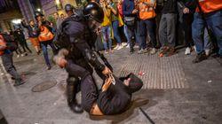 Άγρια καταστολή και πάλι στη Βαρκελώνη κατά των χιλιάδων διαδηλωτών υπέρ της