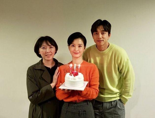 왼쪽부터 김도영 감독, 배우 정유미,