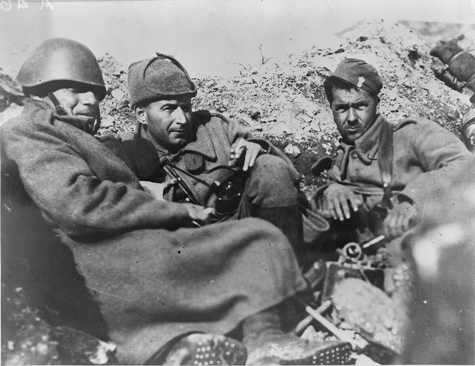 Το έπος του '40: Σπάνια φωτογραφικά ντοκουμέντα από το αρχείο του Πολεμικού  Μουσείου | HuffPost Greece