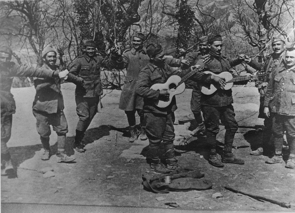 Έλληνες στρατιώτες...