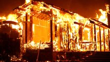 Τρομακτικό Βίντεο Που Δείχνουν Την Απίστευτη Καταστροφή Μαίνεται Στην Καλιφόρνια Πυρκαγιές