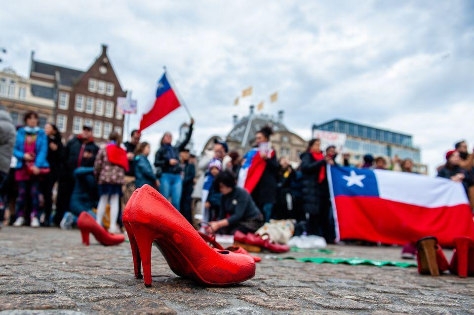 Χιλή: Οι πιο χαρακτηριστικές εικόνες από την αντίδραση που έγινε μαζική