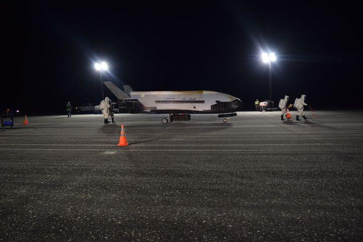 Le vaisseau spatial top secret X-37B a enfin atterri