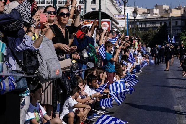 Ξεχωριστές εικόνες από τη μαθητική παρέλαση στην