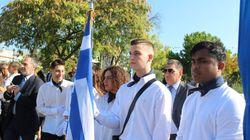Παραστάτης στην σημαία 17χρονος αριστούχος από το