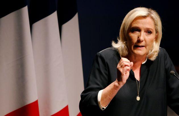 Marine Le Pen prononçant son discours de rentrée politique à Fréjus au mois...