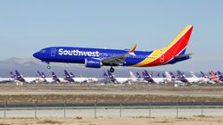 「旅客機のトイレに隠しカメラを仕込んでいた」サウスウエスト航空のCAがパイロットらを訴える