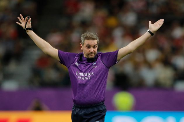 Jérôme Garcès, ici lors du quart de finale Angleterre-Australie, va devenir le premier...