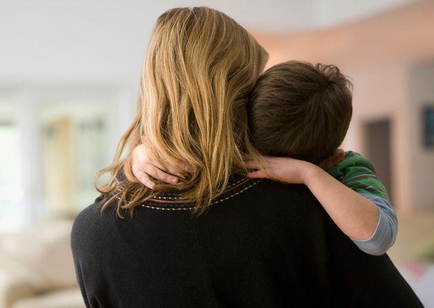 Mamma accusata di alienazione genitoriale: