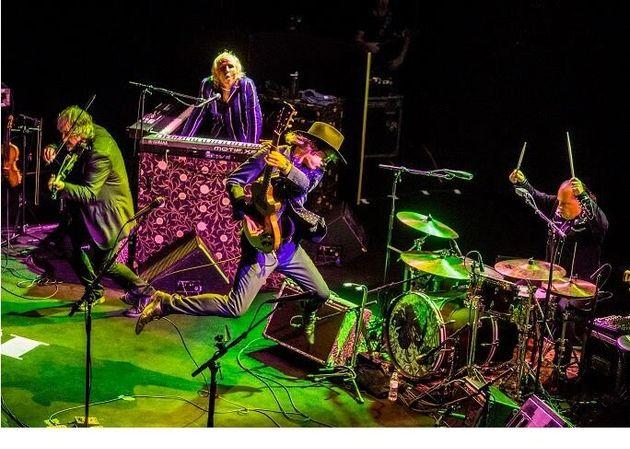 Οι Waterboys στην Αθήνα - Και δεύτερο live λόγω μεγάλης