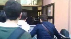 Bloquean los accesos a la Pompeu Fabra mientras un grupo de estudiantes protesta por no poder asistir a