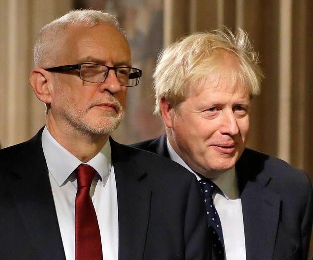 L'opposition britannique (menée par Jeremy Corbyn ici à gauche) accepte la tenue d'élections...